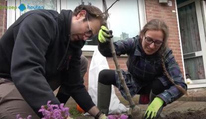 Filmverslag Sociaal Tuinieren in Houten op 10 april (Omroep Houten)